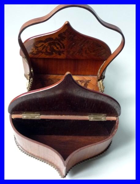 Boite a ouvrage couture napoleon iii marqueterie et bronze for Boite a ouvrage couture