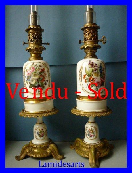 paire lampe a petrole porcelaine de paris bronze dore napoleon iii 1850 socles. Black Bedroom Furniture Sets. Home Design Ideas