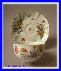 TASSE BOL A THE PORCELAINE NYMPHENBURG Allemagne 1760