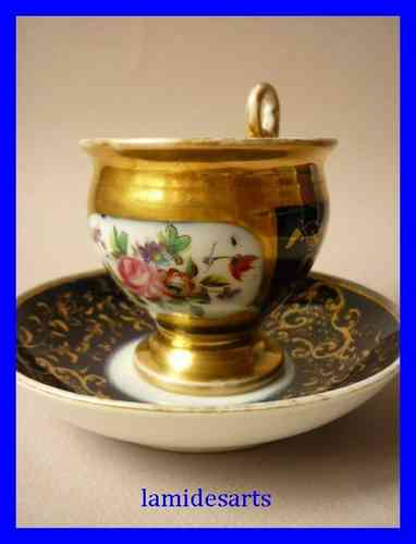 TASSE PORCELAINE de PARIS Epoque Empire 1820