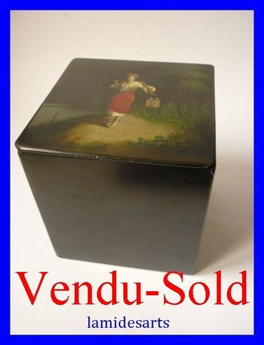 Russian Lacquer Hand Painted XIXth CENTURY Tea caddy