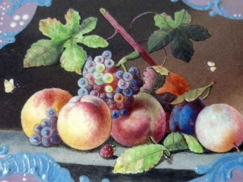 SUPERBE TABATIERE EN EMAIL NATURE MORTE FRUITS PAPILLONS 1780 - 1820
