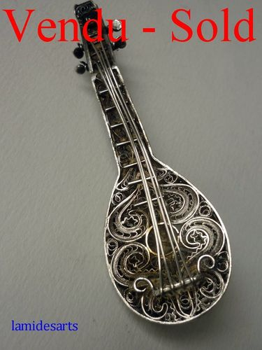 Silver filigree brooch miniature mandolin  1880 - 1900