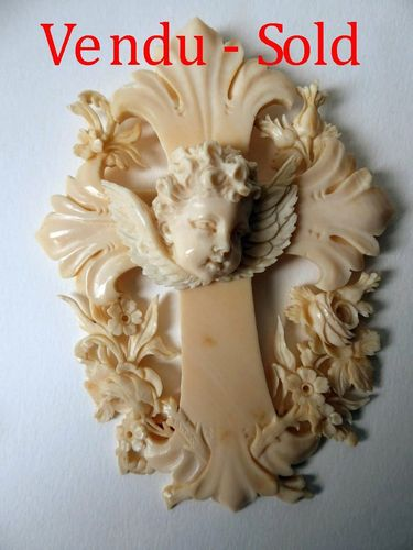 1850's DIEPPE IVORY HOLY CROSS WITH CHERUB