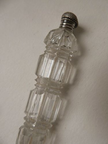 1820's SILVER AND CRYSTAL SCENT BOTTLE SEWING ITEM