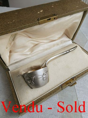 SUPERB ART NOUVEAU STERLING SILVER TEA STRAINER 1900 IN ITS ORIGINAL BOX