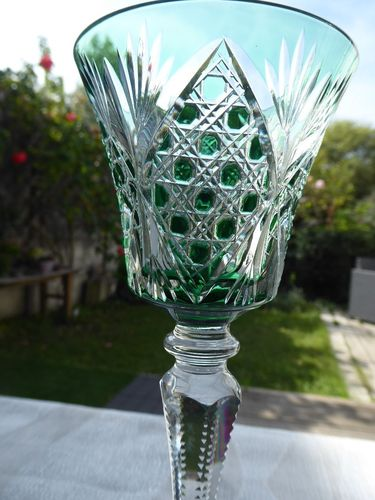SAINT LOUIS VOLOGNE CRYSTAL HOCK WINE GLASS green  Stock: 1