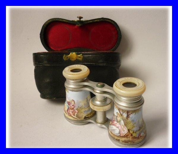 paire de jumelles de theatre emaillees lemaire paris palais royal 1850. Black Bedroom Furniture Sets. Home Design Ideas
