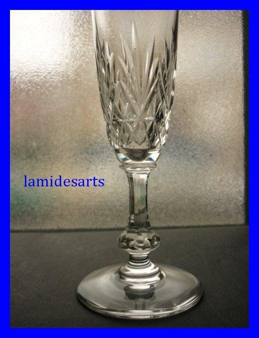 6 flutes de champagne en cristal de saint louis massenet. Black Bedroom Furniture Sets. Home Design Ideas