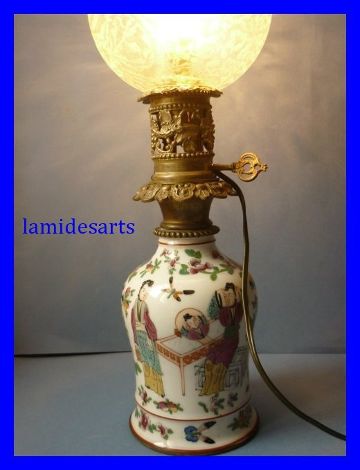 lampe en porcelaine de bayeux decor de scenes chinoises 1880. Black Bedroom Furniture Sets. Home Design Ideas