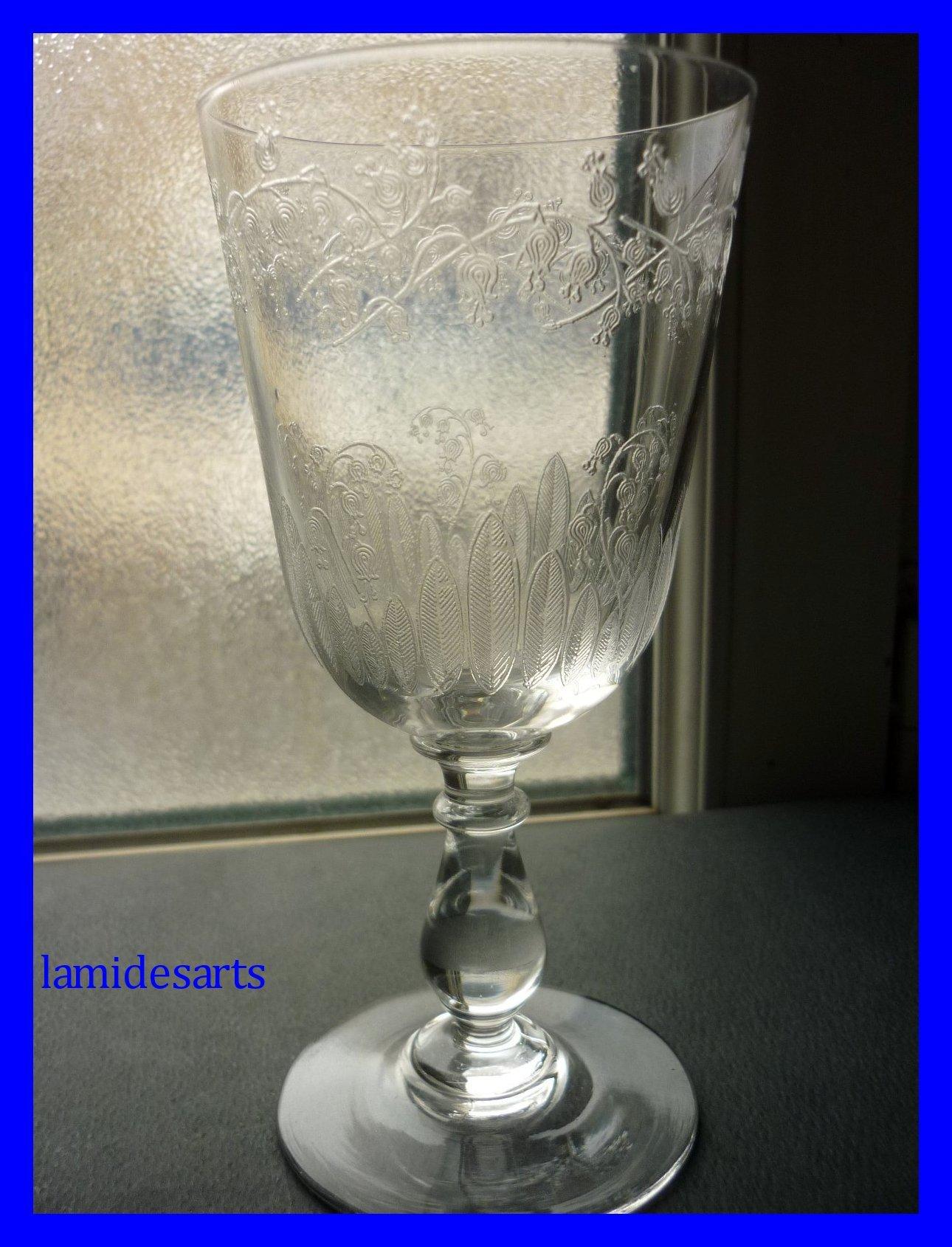 Gravures Sur Verre dedans verre a eau cristal baccarat gravure muguet 1880 - 1900 stock: 0