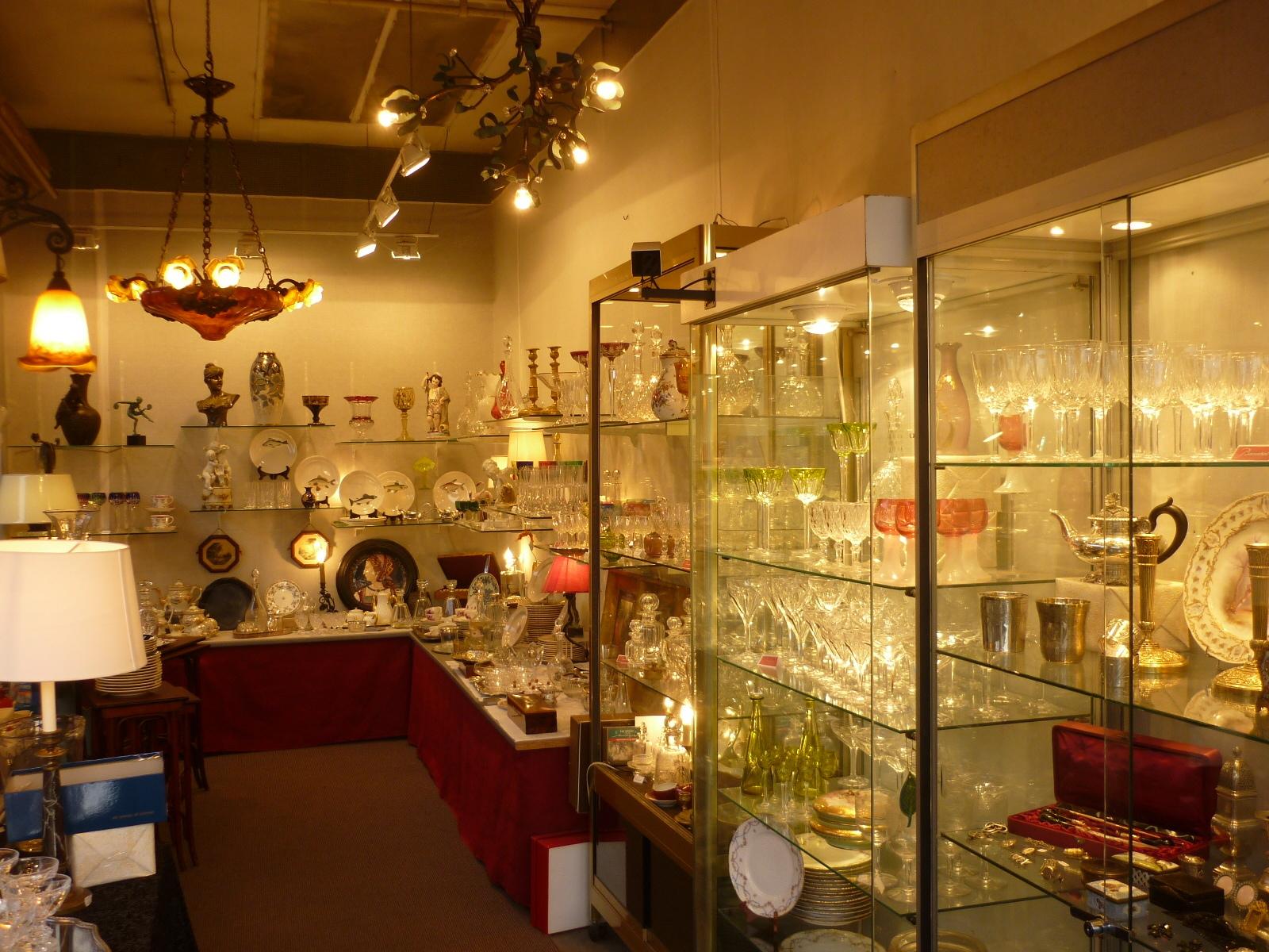 Notre boutique aux puces de paris saint ouen blog lamidesarts - Boutique brocante paris ...