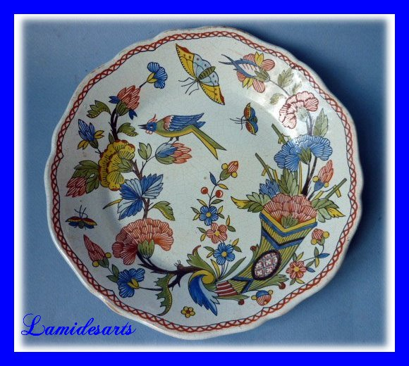 Faience de rouen assiette a la corne d abondance xviii siecle for Assiette de decoration