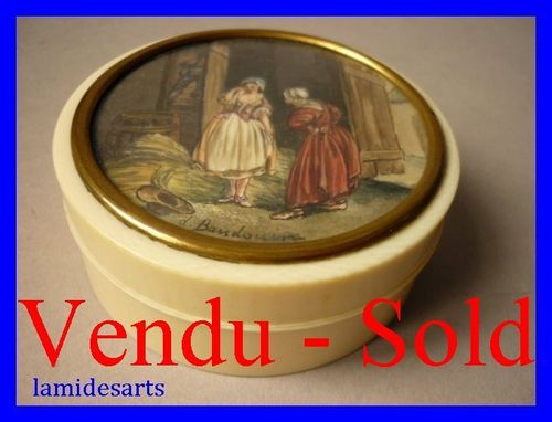 IVORY BOX WITH EROTIC MINIATURE PORTRAIT PAINTING ON IVORY