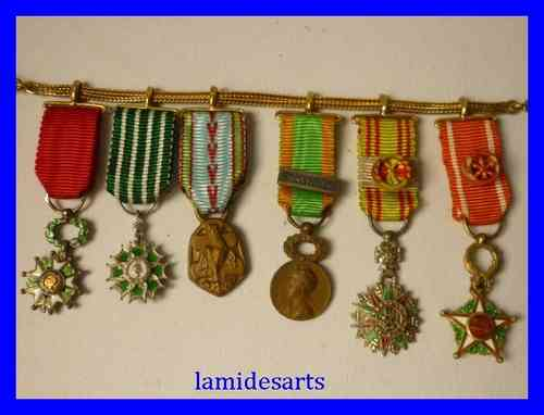 18 k GOLD CHAIN with 6 miniature orders medals from Second World War