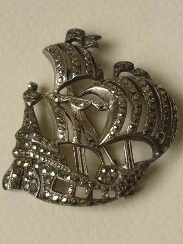 SILVER BROOCH WITH MARCASITES BOAT