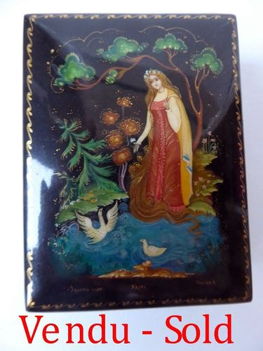 Hand Painted Palekh Russian Lacquer Box Princess