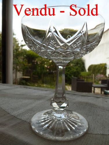 CRISTAL BACCARAT COLBERT COUPE A CHAMPAGNE  signée  stock: 0