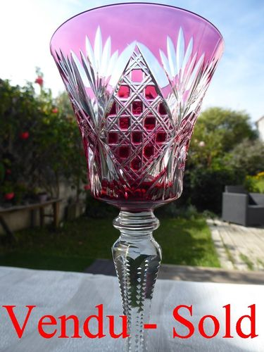 SAINT LOUIS VOLOGNE CRYSTAL HOCK WINE GLASS RED  Stock: 0