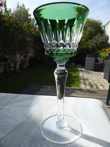 CRISTAL BACCARAT PICCADILLY VERRE A VIN DU RHIN ROEMER VERT