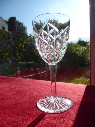 BACCARAT JUIGNE CRYSTAL WINE GLASS 13 cm  signed  stock: 11