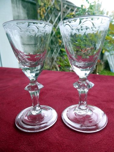 PAIR OF XVIII CENTURY LIQUOR ENGRAVED GLASSES